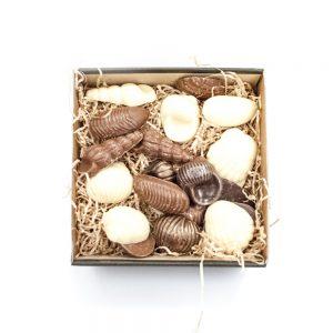 Skaller i blandet chokolade i lille gaveæske 150 g